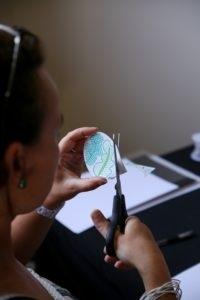 Bijoux illustrés en plastic fou
