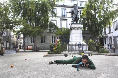 Jean, solo pour un monument aux morts